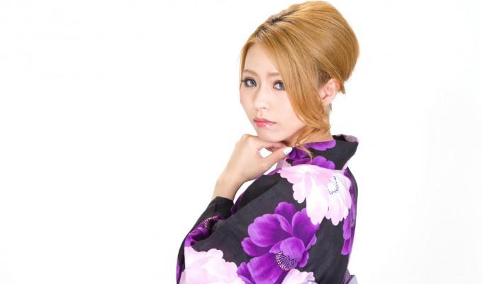 -shared-img-thumb-N853_ushirowohurikaeruyukatanojyosei_TP_V
